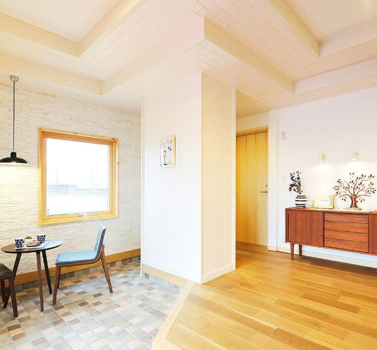 スウェーデンハウスの折り上げ天井の画像②